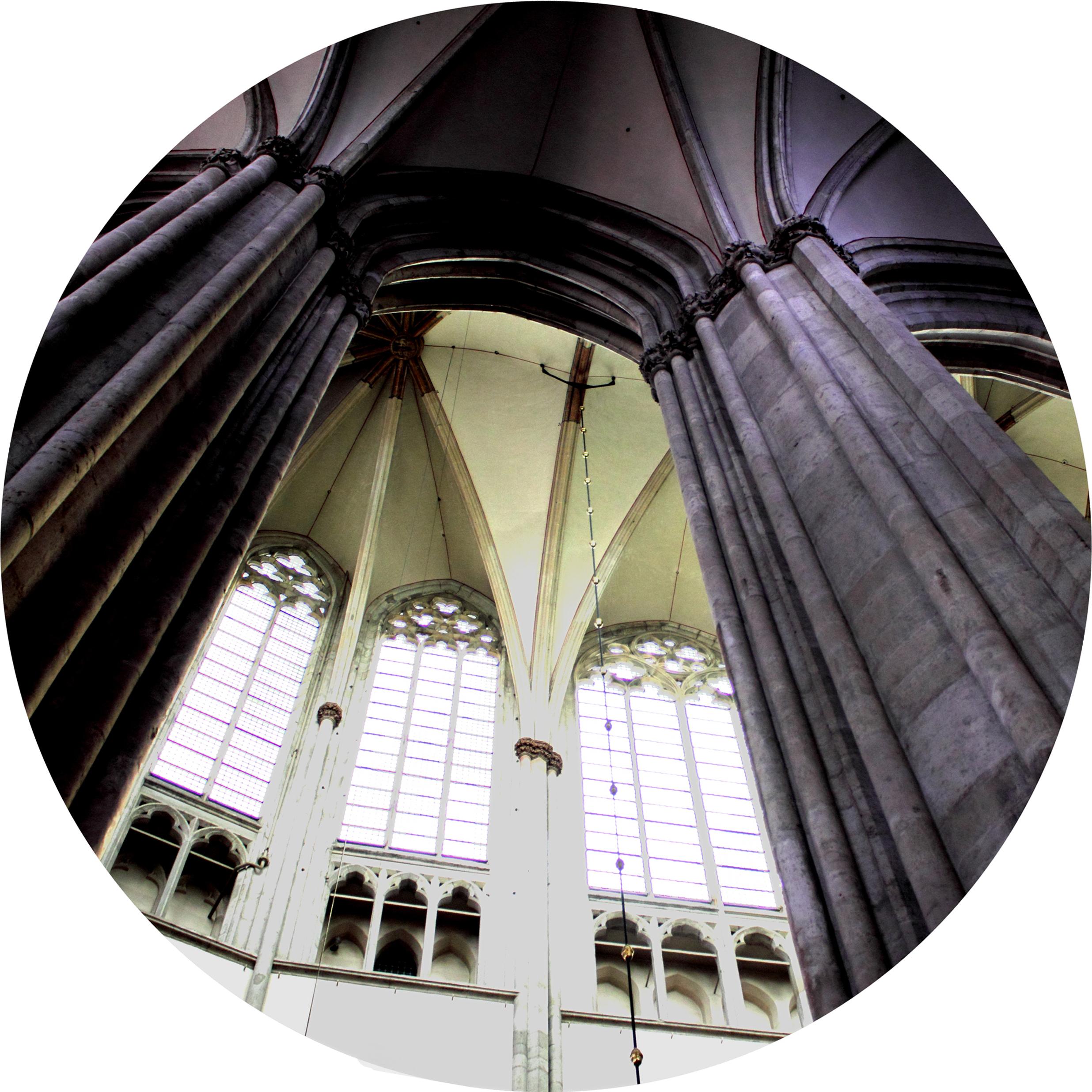 Hoge kerken vangen veel wind